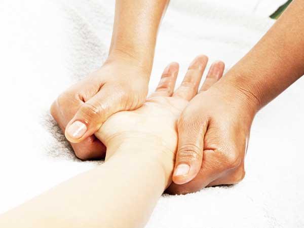 helkropsmassage, sportsmassage, ømme muskler, Helse og idrætsklinik i Lyngby