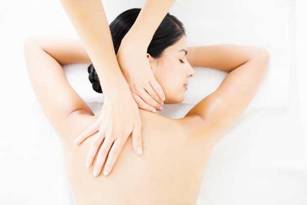 helkropsmassage, massage i Lyngby, ømme led og muskler, øm nakke, hovedpine